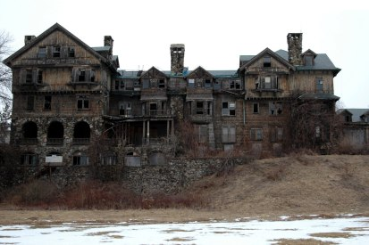 haunted_house_high_resolution_desktop_1600x1066_hd-wallpaper-840463